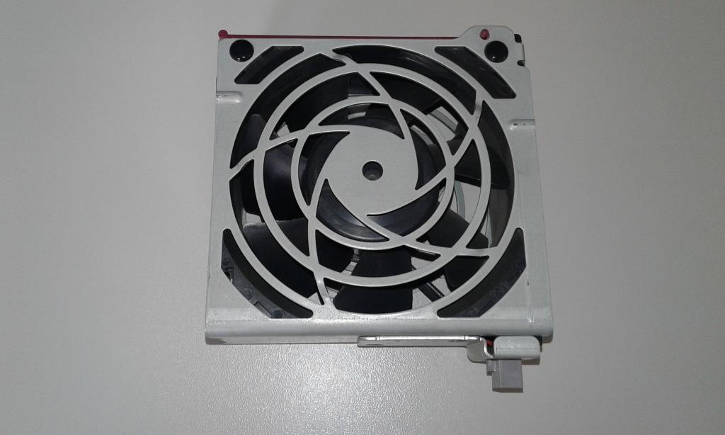Вентилятор HP 224977-001 ProLiant ML370 G2 G3 G4 Hot-Swap Plug Case Fan / Fan 224978-001