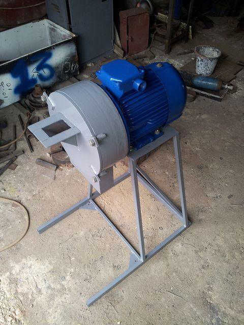 Кормодробилка для подсобного хозяйства дробилка кормов перевести